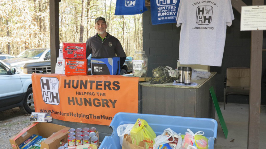 Hunters Helping the Hungry Benefit  © Gene Grodzk