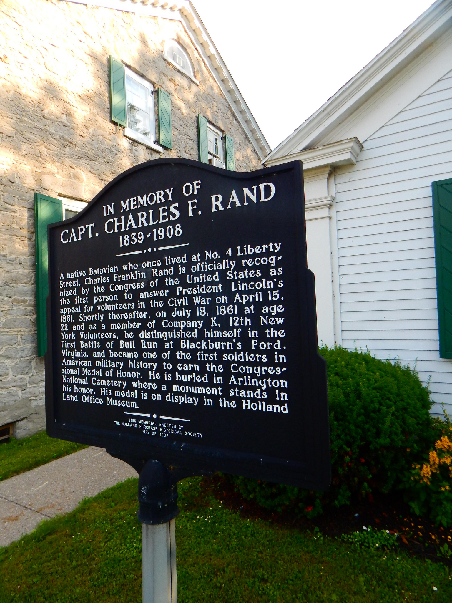 Batavia NY Photo of historical monument marker dedicated to Capt. Charles Aston by Adam Moss (CC BY-SA 2.0)